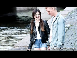 casual teen Sesso - geeky teeny molly marrone scopata da sconosciuto