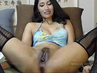 Asian babe fisting