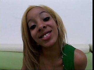 Jade de luna (sexy blonde Ebony)
