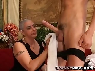 Granny Expereinces Anal With Young Huge Cock