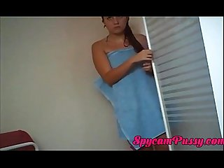 Spy cam mom and daugther after shower voyeur - SpycamPussy.com
