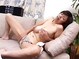 japanese mom huge tits masturbating