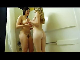 Hot babes in shower hotcamjizz com