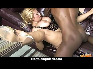 Hot mom receive a huge black dick porn video 18