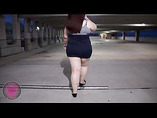 Liza Vixxen- Walking