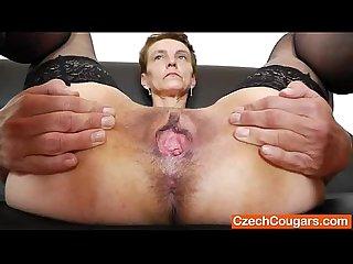 Rozi mature pussy masturbation