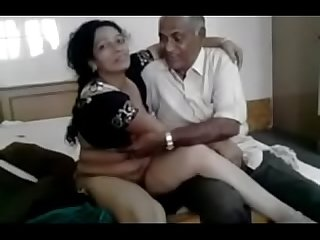 Indian Desi bhabhi with neighbour full link http gestyy com wscn5t