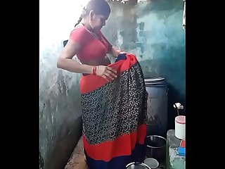 Desi aunty bathing