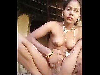 Village bhabhi removing dress and playing with pussy