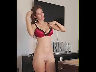 Striptease Girl Video And Slowly Tease It Off- streaptease.net