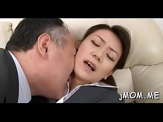 Older beauty gets cunt licked