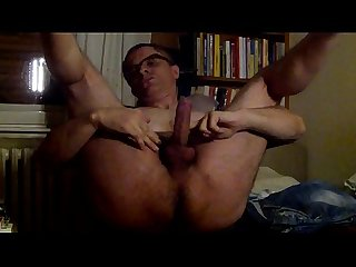 Serbian muscle daddy masturbate on camera
